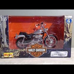 Harley Davidson XL 1200C Sportster 1999 Maisto 1:18 Diecast