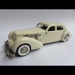 Cord 812 1937 Custom Beverly Cream - Western 1:43 Diecast