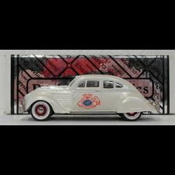 Chrysler Airflow 1934 pearl white Durham 1:43 diecast