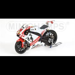 YAMAHA YZR-M1 MOTO GP  V. ROSSI - Minichamps 1:12 Diecast