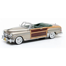 Chrysler Town & Country Conv.1949 gold metall. - Matrix 1:43 Diecast Resin model