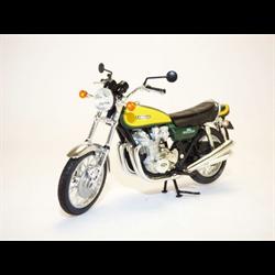 Kawasaki Z900 1973 1:18 diecast Motorcycle model Norev