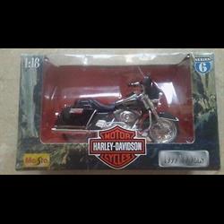 Harley Davidson 1999 FLHT Electra Glide Standard Maisto 1:18 Diecast