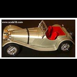 Jaguar SS 100 1937 silver pearl-1:18 Diecast by BBURAGO